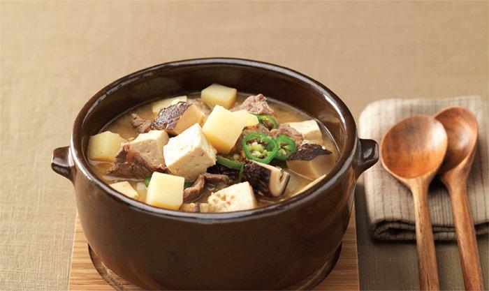 Doenjang Jjigae, koreanisches Essen